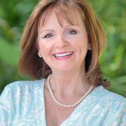 Lia Peters expert realtor in Treasure Coast, FL