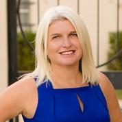 Laura Hoult expert realtor in Treasure Coast, FL