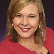 Mindy Hackett expert realtor in Treasure Coast, FL