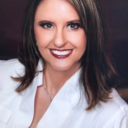 Janet Dischinger expert realtor in Louisville, KY