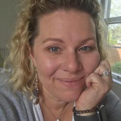 Mollie Y. Noe expert realtor in Louisville, KY